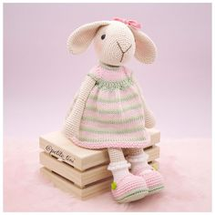 In this article, amigurumi bunny free patterns, knitting toy models are waiting. You can find everything you want about Amigurumi. Crochet Bunny Pattern, Crochet Rabbit, Crochet Amigurumi Free Patterns, Cute Crochet, Crochet Dolls, Crochet Baby, Rabbit Toys, Bunny Toys, Knitted Bunnies