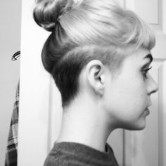 The Hair - undercut-long-hair-undercut-bob.jpg 500 × 500 Pixel What Shaved Undercut, Undercut Ponytail, Undercut Bob, Female Undercut Long Hair, Shaved Nape, Undercut Women, Undercut Hairstyles Women, Hairstyles With Bangs, Short Hair Cuts