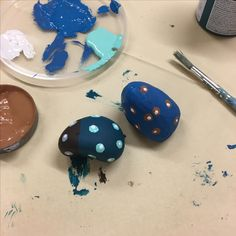 Painted stones / pebbles - children's crafts / therapeutic crafts