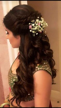 Indian Bridal Wedding Hairstyles for Short to Long Hair wedding engagement hairstyles 2019 wedding engagement hairstyles Indian Bridal Wedding Hairstyles for Short to Long Hair wedding engagement hairstyles 2019 Bridal Hairstyle For Reception, Wedding Hairstyle Images, Bridal Hairdo, Hairdo Wedding, Long Hair Wedding Styles, Hairstyle For Indian Wedding, Wedding Makeup, Indian Hairstyles For Saree, Trendy Wedding