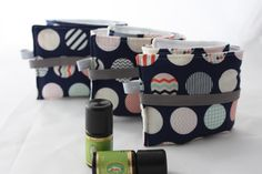 Diy Couture Rangement, Essential Oil Holder, Essential Oils, Diaper Bag, Sewing, Marianne, Haute Couture, Clutch Bag, Flasks