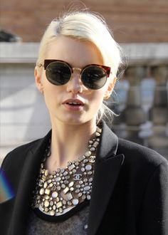 Fab glasses and an amaing necklace.Details in streetstyle