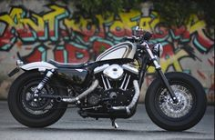 Harley 883 cutomized