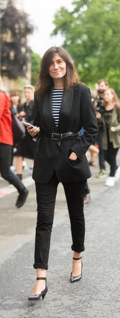 Belting a blazer or jacket gives you a more tailored look.