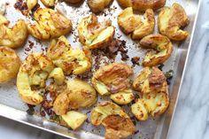 Culy Homemade: crispy geplette aardappeltjes uit de oven - Culy.nl Jamie Oliver, Potato Salad, Cauliflower, Potatoes, Homemade, Vegetables, Eat, Ethnic Recipes, Food