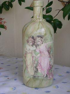 Μπουκάλι ντεκουπάζ με τεχνικη απομιμησης μαρμαρου!. Decoupage  bottle with marble technique! https://m.youtube.com/watch?v=3GxImTj_q9U