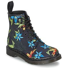 These tropical floral Docs are amazing! #shoes #boots #docs #drmartens #floral #rangerboots #6eyeboots #women #uk