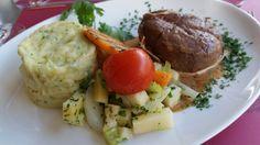 Genève-Kierah's : Filet de boeuf à la ficelle avec son écrasé de pommes de terre et petits légumes croquants.
