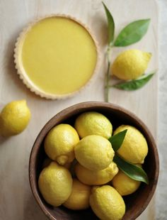 making lemon pie