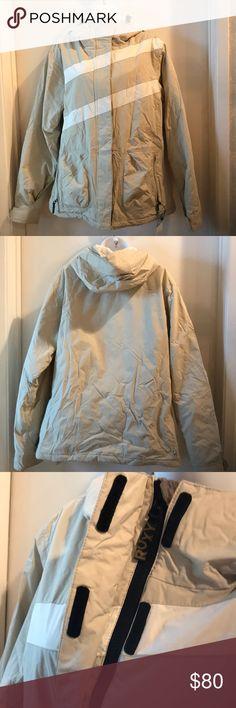 da4ff69632 ROXY Snowboard/Ski Jacket EUC Size L Beautiful snowboard jacket by Roxy has  multiple