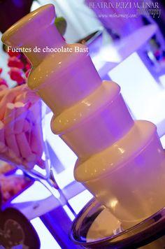 http://fuentesdechocolatebast.com/  https://www.facebook.com/FuentesDeChocolateBast?fref=ts