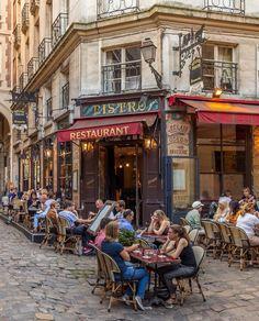 photoshootinparis.com Saint Germain, Sidewalk Cafe, Parisian Cafe, Old Paris, Paris Street, France Travel, Beautiful Places, Scenery, Places To Visit