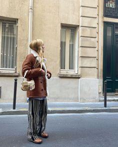 "Blanca Miró Scrimieri on Instagram: ""Autumn in Paris @mango #mangogirls #mango #ad"" Casual Fall Outfits, Autumn Outfits, Sheepskin Coat, Aesthetic Women, Shearling Coat, Manga, Fendi, Autumn Fashion, Hipster"