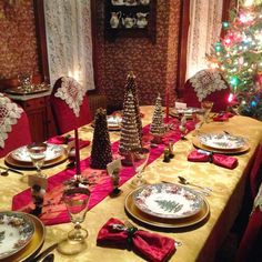 carolinajewel's table: Christmas all through the House. Tablescape with Spode Christmas Tree Grove.