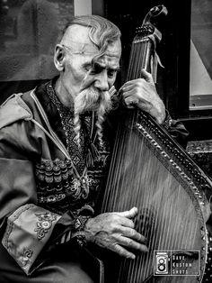 "Prized picture on the ""Musicians & Instruments Photo Challenge"". Foto premiada en el ""Musicians & Instruments Photo Challenge"". +info http://davekustomshots.com"