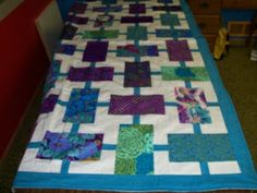 Nel Holmes and her quilt