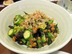 Okra and natto salad
