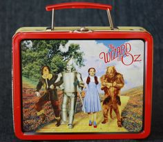COLLECTIBLE/RARE 1998 WIZARD OF OZ mini TIN LUNCHBOX by Tuner Entertainment