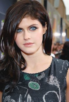 Beautiful Celebrities, Beautiful Actresses, Alexandra Daddario Images, Belle Silhouette, Most Beautiful Eyes, Beauty Full Girl, Bob Marley, Hollywood, Lady