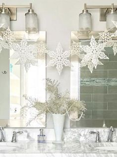 50 Fabulous and Simple Holiday Decorating Ideas #purewow #christmas #home #holiday #decor