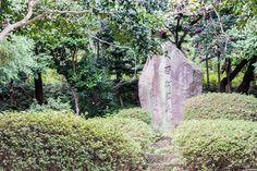 写真 近所の公園にある石碑 シャープネスのバグが治ったので出せた