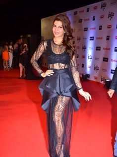 Jacqueline Fernandez Hot HD Pics In Black Gown From Filmfare Awards