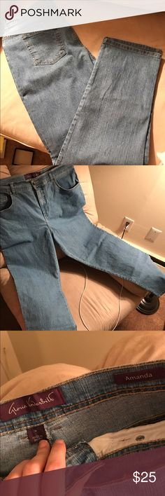 Gloria Vanderbilt Amanda jeans nwot Never worn perfect condition!! Make offers with the offer tool or check out the my closet for more! And bundle and save! Gloria Vanderbilt Jeans