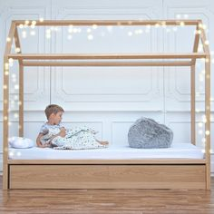 House bed for big boys Natur kidsroom