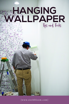 Sharing my best hanging wallpaper tips and tricks PLUS a video! It's easy to hang, beautiful in your room and a trendy home decor accent. Accent Wallpaper, Old Wallpaper, Hanging Wallpaper, Wallpaper Decor, Wallpapering Tips, How To Apply Wallpaper, Trendy Home Decor, Simple Wallpapers, Asian Decor
