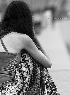 Una muchacha que llora en el Malecón
