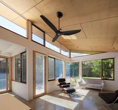 Mont Albert B&W House in Melbourne: contemporary villa in Victoria, design by Ben Callery Architects: Melbourne residence, new Australian home images Plywood Ceiling, Timber Ceiling, Plywood Walls, Porch Ceiling, Wooden Ceilings, Ceiling Fans, Timber Window Frames, Timber Windows, Architects Melbourne