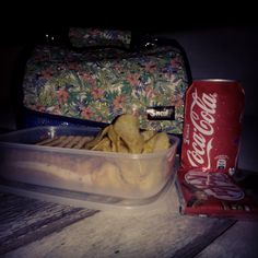 Cine de verano en Las Cigarreras de Alicante... ¡Momentazo #tuppertime! Snailbag everywhere you go! #Snailbag #lunchbag #tuppertime #verano #summertime #moda #chic #MadeInSpain #ShopOnline http://www.snailbag.es/shop/elements-collection/bolso-porta-alimentos-snailbag-vivaldi-summer/