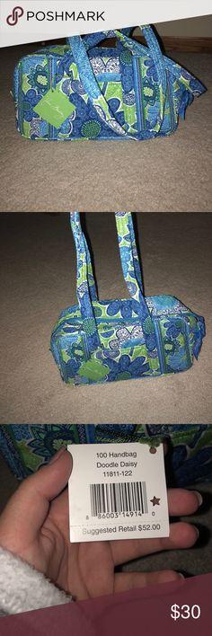 🎄SALE🎄Vera Bradley purse Blue, green, and white Vera Bradley 100 handbag. Brand new, never used. Super cute for fall ! Vera Bradley Bags Shoulder Bags