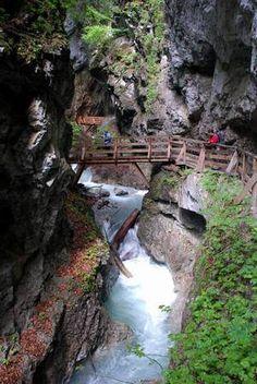WOLFSKLAMM - Karwendel Klamm und Sehenswürdigkeit in Tirol