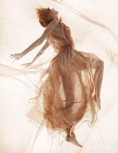 Florence Welch by Mario Testino   British Vogue January 2012