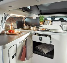 Nugget Aufstelldach | Westfalia Mobil GmbH Ford Transit Custom, Pop Up, Google Search, Kitchen, Campervan Interior, Airstream Trailers, Cuisine, Popup, Home Kitchens