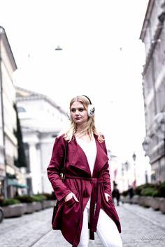 Tipps und Tricks, wie man schnell coole Looks zaubern kann. Mehr dazu auf Be Sassique #blackallover #fashion #blogger #damenmode #frauen #autmun #trend #mode #mantel #coat #style #munich #münchen #besassique #only #grey #black #cold