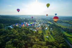 discovergreatbritain:  Bristol International Balloon Fiesta A spectacular event, Europe's largest annual hot air balloon festival. Find out more about Bristol