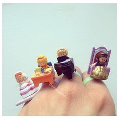 Visit Mevintagetoys youtube channel to see more Vintage polly pocket