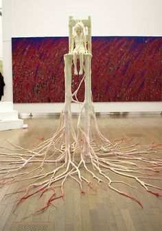 Ishibashi Yui, Calling. Art installation 2011, wood,steel wire, resin, clay, (H)440×(W)440× (D)252cm