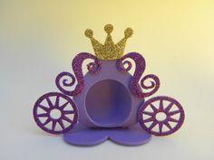 porta bombom de fomi - Buscar con Google Princess Sofia Party, Cinderella Party, Disney Princess Party, Foam Crafts, Diy And Crafts, Paper Crafts, Quilled Paper Art, Ballerina Party, Felt Patterns