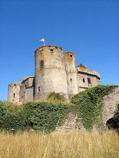 Château de Clisson by Nikao - live, via Flickr