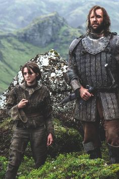Arya Stark & The Hound - Game of Thrones Hound Game Of Thrones, Arte Game Of Thrones, Game Of Thrones Books, Game Of Thrones Facts, Game Of Thrones Funny, Game Thrones, Game Of Thrones Characters, Cersei Lannister, Daenerys Targaryen