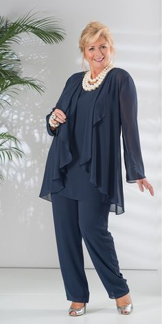 Graceful PantSuits Chiffon Jewel Neckline Full-length Mother Of The Bride Dress With Coat - Kleidung damen - Guest Vetements Clothing, Mother Of The Bride Plus Size, Chiffon Jacket, Mom Dress, Plus Size Pants, Fashion Over 50, Wedding Suits, Lace Wedding, Wedding Dresses
