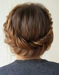 Check out these 12 amazing and gorgeous hair updo ideas for women with short hair. updo Ideas for short hair updo Updos For Medium Length Hair, Short Hair Updo, Medium Hair Styles, Short Hair Styles, Wavy Hair, Short Hair Crown Braid, Straight Hair Updo, Short Ponytail, Prom Hair Medium