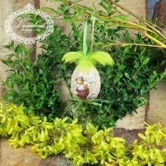"""Lavenderia - decoupage i inne: Wielkanoc """"Jajeczko z żółtymi piórkami"""""""