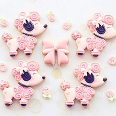 Pink pooch video tutorial loving this happy background music by Bensound ☺️cute poodle cutter is from @kaleidacuts  #pinkpooch #poodlecookie #pinkpoodle #dogcookies #cookieart #parisiantheme #cookietutorial #videotutorial #instavideo #tutorial #video #diyvideo #cookiesofinstagram #instabake #instacookies #cutecookies #edibleart #foodporn #foodshare #foodgasm #foodie #foodart #instagood #dessert #sweettreat #decoratedcookiesnz #cookieliciousnz
