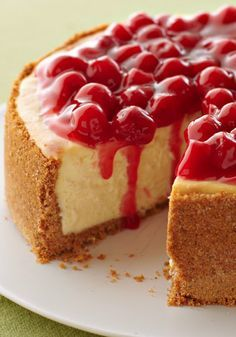 "I Love Cheesecake. Original pinner ""Our Best Cheesecake -- Not only is this our best cheesecake recipe--a rich, creamy, cherry-topped showstopper, it's also one of the easiest desserts to make! 13 Desserts, Easy To Make Desserts, Food To Make, Dessert Recipes, Holiday Desserts, Cookie Recipes, Dinner Recipes, Cheesecake Day, Strawberry Cheesecake Recipes"