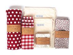 Ce KIT ZERO DÉCHET pour débutant comprend 10 lots indispensables (lingettes démaquillantes renouvelables, sac à vrac, serviettes de table, essui-tout en coton bio) pour un quotidien respectueux de l'Environnement. On est FAN de la boutique The One Bag sur DaWanda.com
