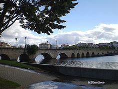 Ponte dos 100 arcos (todos diferentes) em Mirandela, Portugal